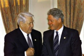 Boris Iéltsin e Bill Clinton, então da Rússia e dos Estados Unidos, respectivamente. Fonte: Wikipedia.