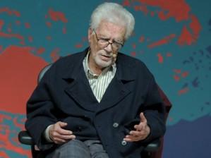 Coutinho durante sua palestra na FLIP 2013