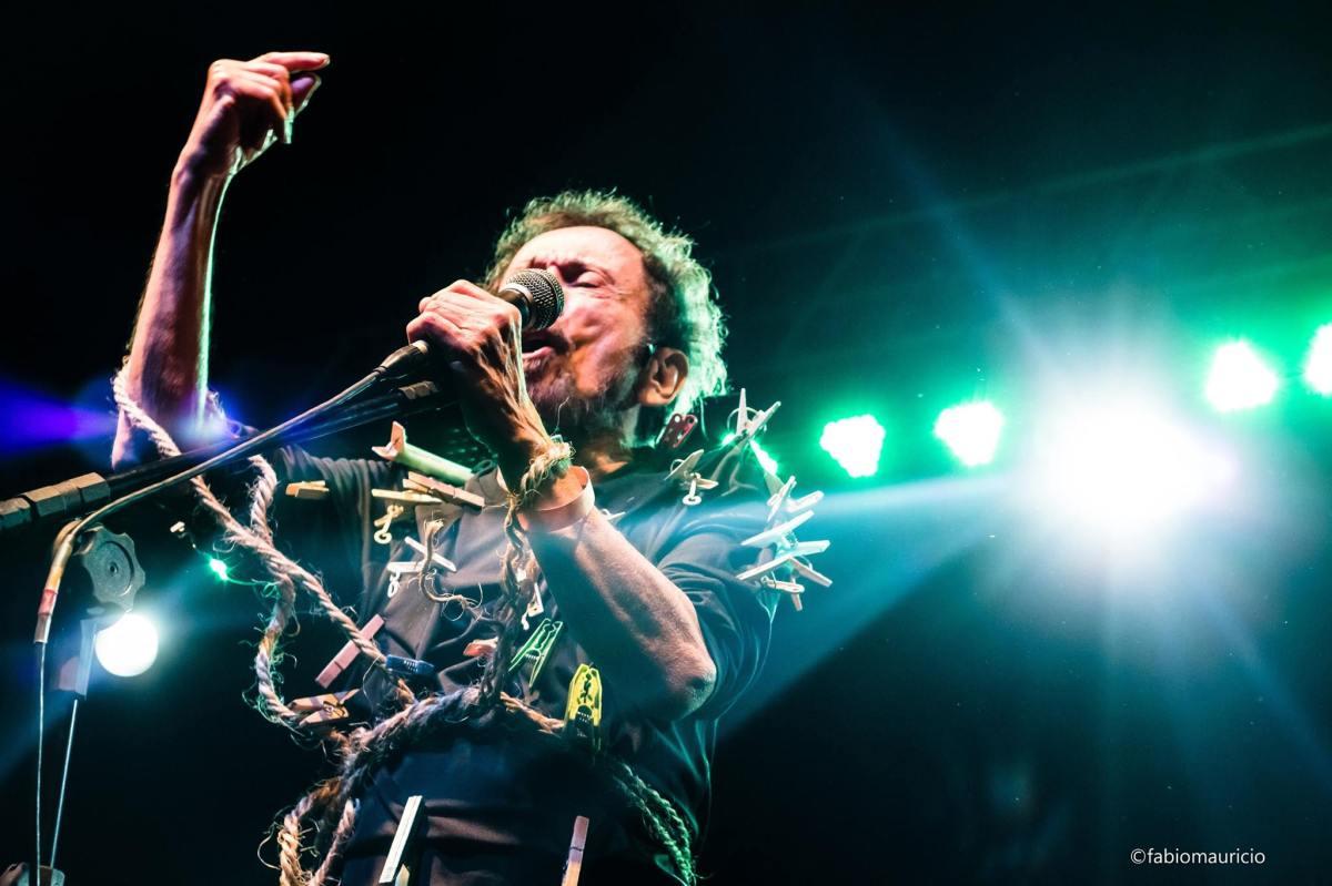 """Tom Zé: """"Sempre fazia canções reparando o que estava de errado na maneira de combater a Ditadura"""""""