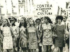 Protesto contra a censura durante a Ditadura Militar Brasileira.