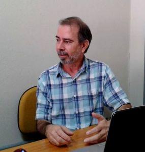 Prof. Nelson Viana