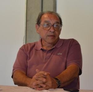 Ruy Castro durante a entrevista