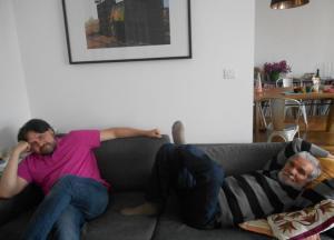 Eu e o escritor Raimundo Carrero na casa da editora francesa Paula Salnot.