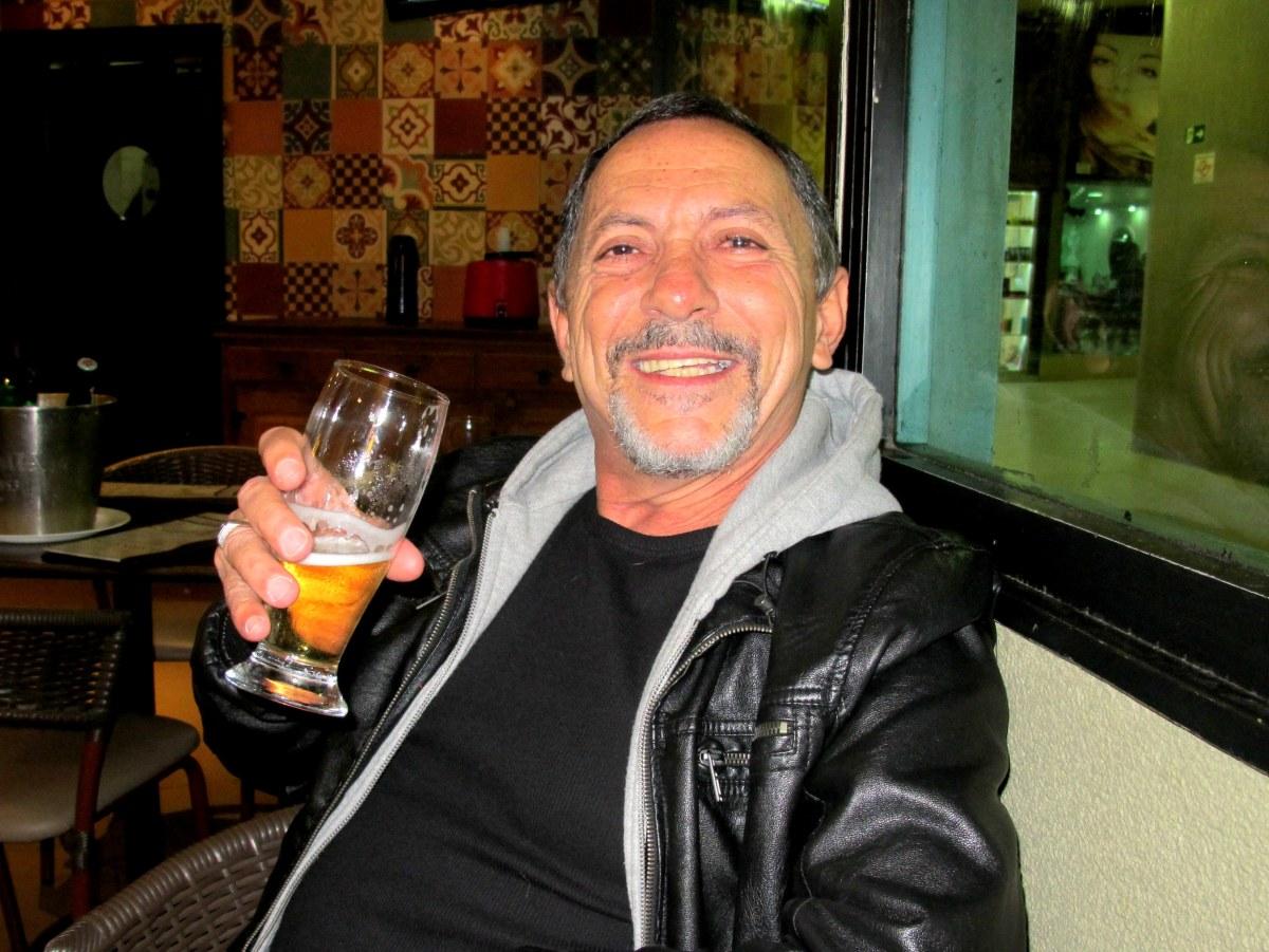 """Entrevista com o escritor Luiz Alberto Mendes: """"Os livros me salvaram!"""""""