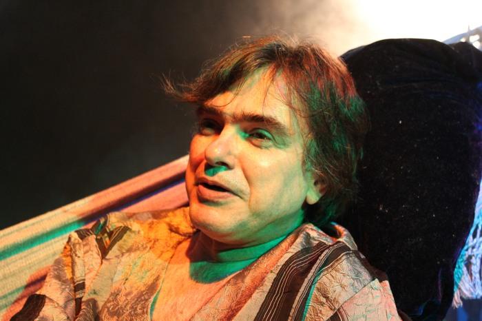 O ator Marcelo Drummond