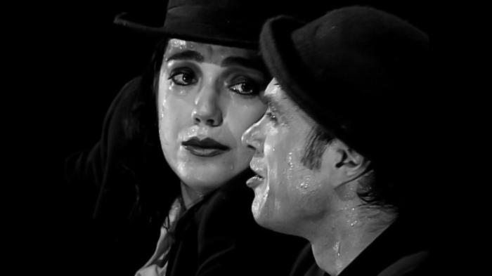 Camila Mota e Marcelo Drummond em cena  (foto Jennifer Glass)