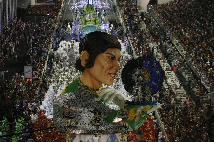 Desfile da Vai-Vai, que homenageou a cantora Elis Regina (Foto: Divulgação)