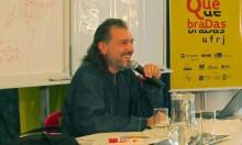 O escritor Alejandro Reyes
