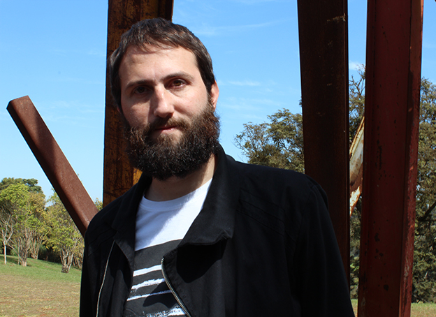 """Julián Fuks é finalista com o livro """"A Resistência"""" (Cia das Letras)"""