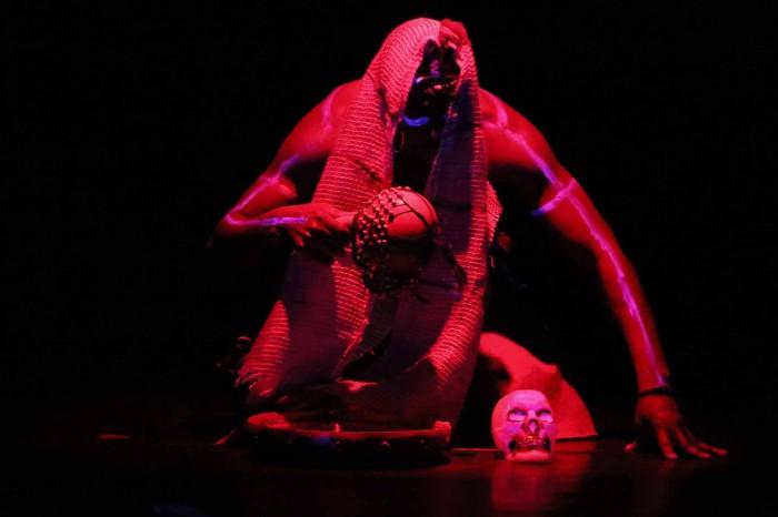 Espetáculo de Teatro Nos Tempos de Gungunhana -foto de Margareth Leite -b
