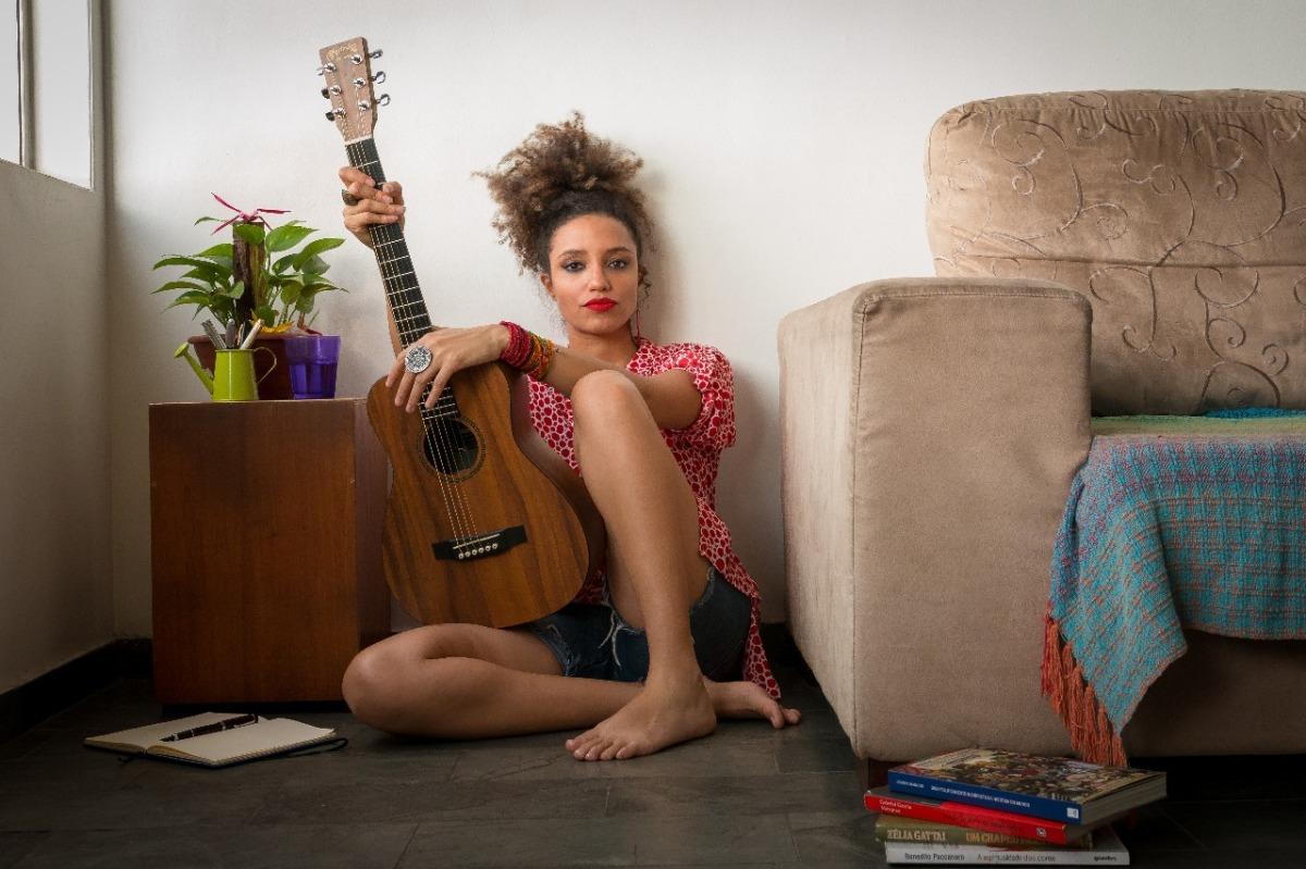 """Anna Tréa lança """"Espera"""", primeiro clipe do álbum 'Clareia'"""