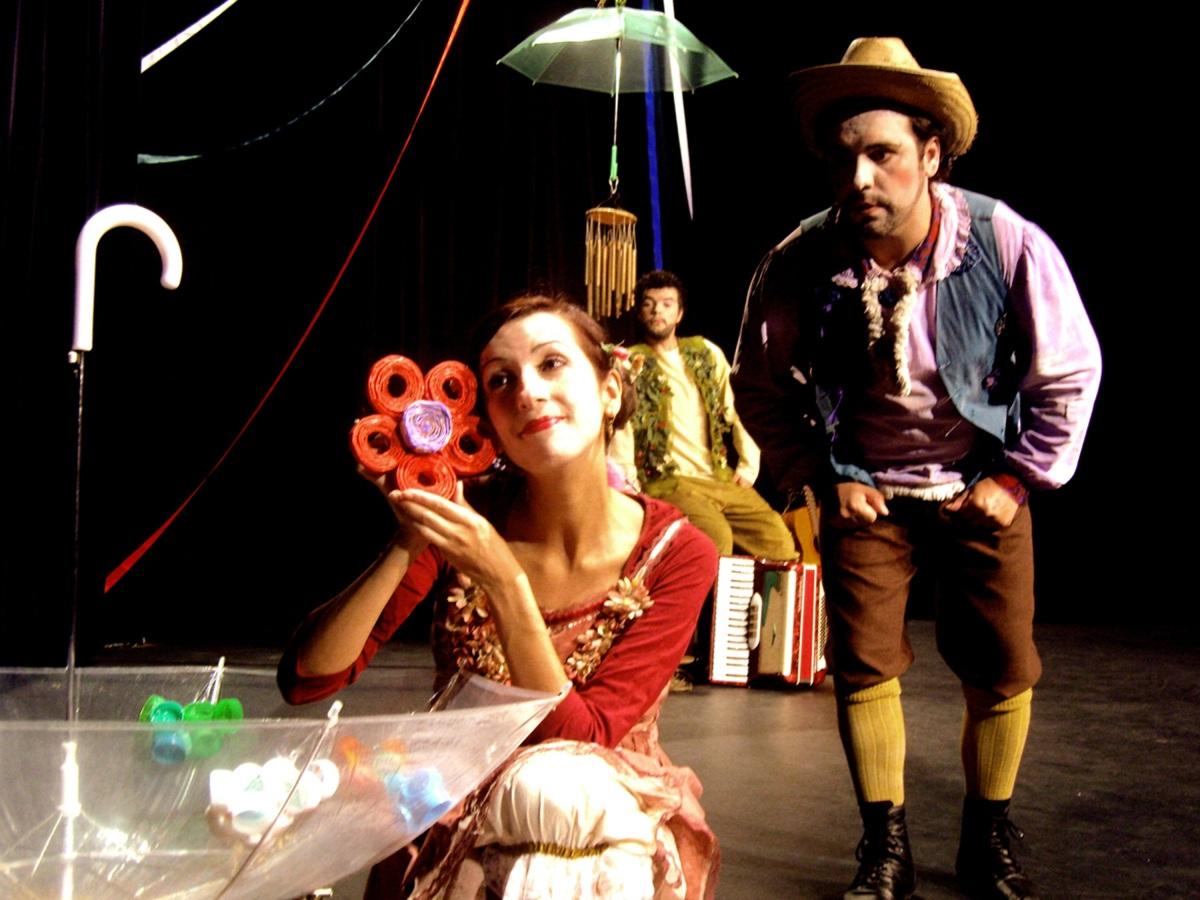 Oficina de jardinagem e espetáculo de teatro 'Ciranda das Flores' recebem a primavera no Fim de Semana em Família do Itaú Cultural